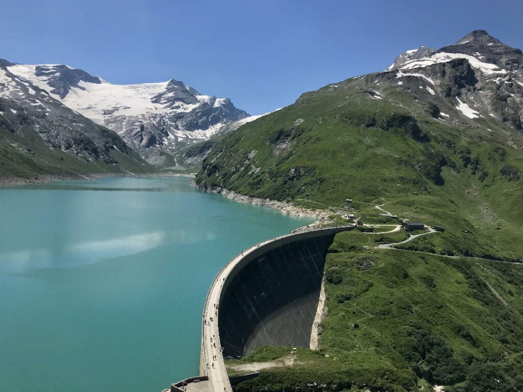 Ausflug zu den Stauseen Österreich - die Staumauer am Mooserboden