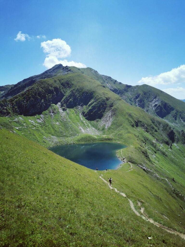Österreich Seen, die man einmal gesehen haben sollte: Der Twenger Almsee - von oben wie ein Herz!