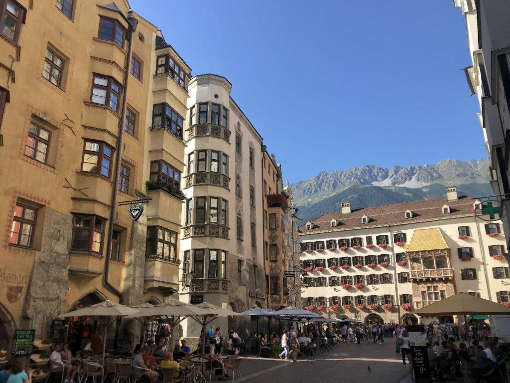 Österreich Sehenswürdigkeiten in Innsbruck: Das Goldene Dachl und das Top of Innsbruck