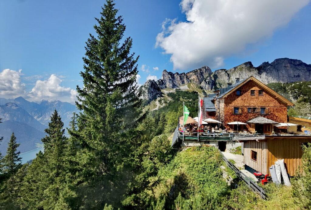 Tirol Urlaub in Österreich - hier auf der Erfurter Hütte im schönen Rofan