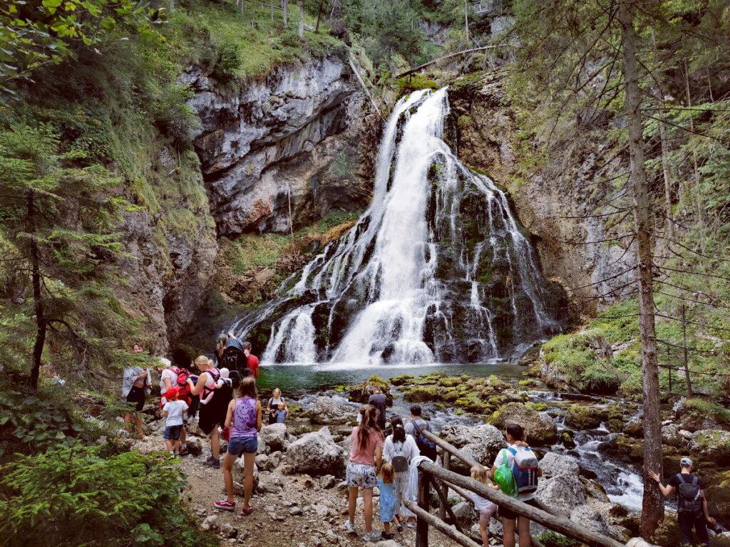 Beeindruckende Wasserfälle in Österreich - hier der Gollinger Wasserfall