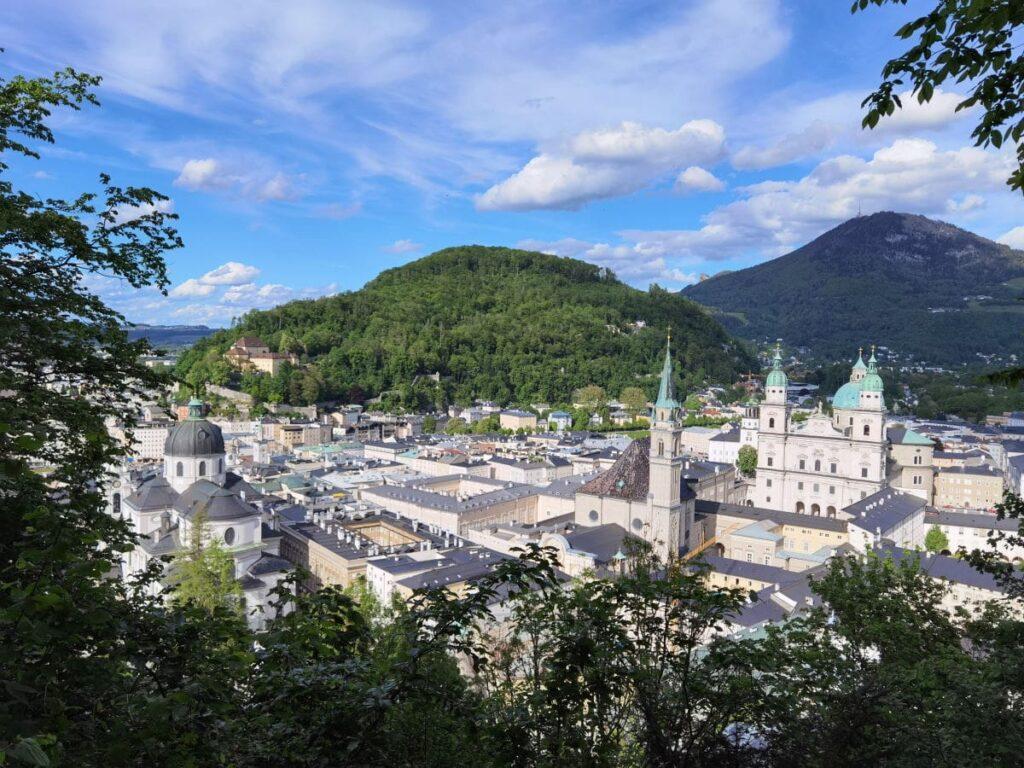 Sehenswürdigkeiten Österreich - der Blick über die Altstadt von Salzburg