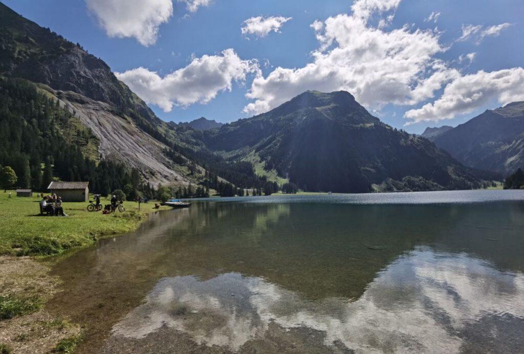 Zwei besondere Österreich Seen im Tannheimer Tal: Der Vilsalpsee und der Haldensee