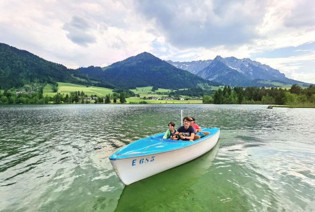 An einem der Österreich Seen baden oder mit dem Boot fahren? Am Walchsee geht beides!